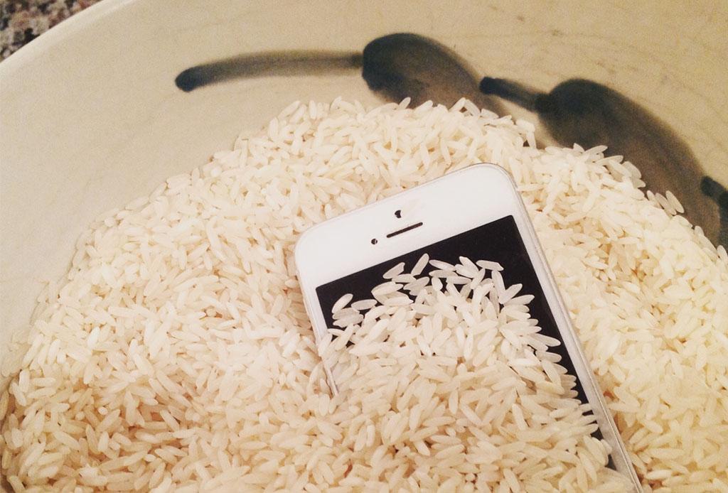 telefono arroz mojado