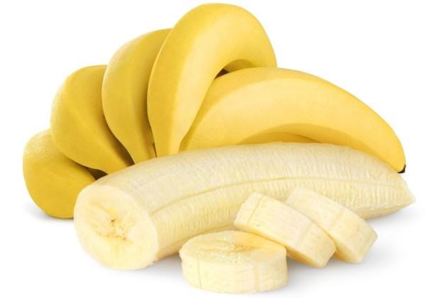 8 alimentos con carbohidratos que DEBES comer - platanos-1024x694