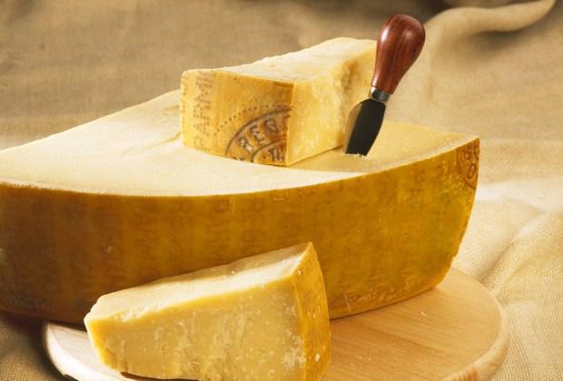 Esta es la explicación de por qué amamos el queso - queso-parmesano1-1024x694