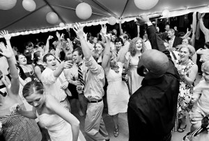 La mejor playlist para el mood de boda