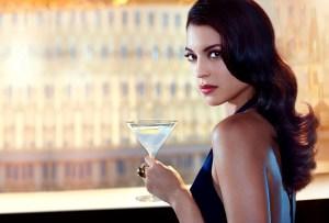 Aprende a preparar el cóctel favorito de la chica Bond