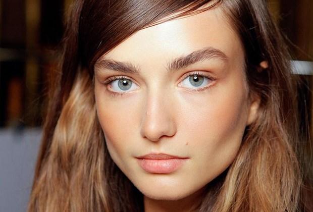8 aspectos de tu cuidado personal en los que ellos se fijan - no-makeup-look-1024x694