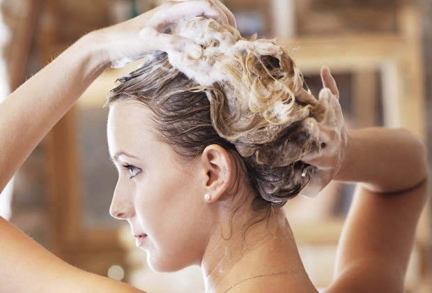 5 errores de belleza que cometes al bañarte y no lo sabías - bano-tips-1024x694