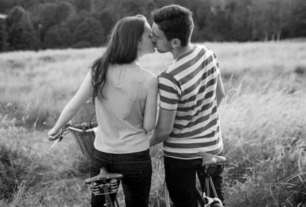 Los 6 lugares más arriesgados para disfrutar con tu pareja - pareja-parque-1024x694