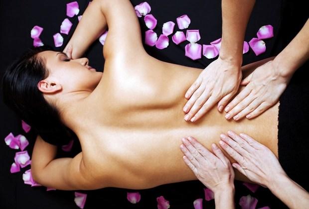 5 diferentes tipos de masajes que te harán sentir como nuevo - 4cuatro-manos-masaje-1024x694