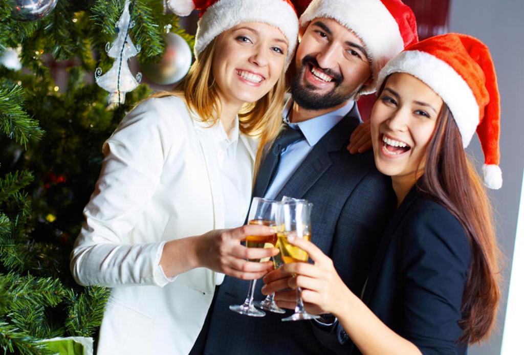 12 básicos infalibles para organizar una posada perfecta - basicos-posada-navidad-fiesta-8