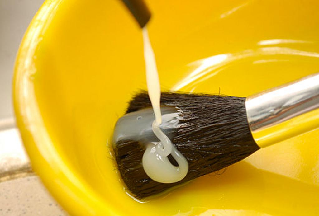 Cómo y cada cuánto debes limpiar tus brochas de maquillaje - brochas-lavar-cuidados-3-1024x694