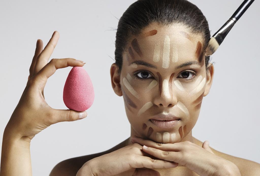6 trucos de maquillaje para esconder los estragos de la fiesta - maquillaje-cruda