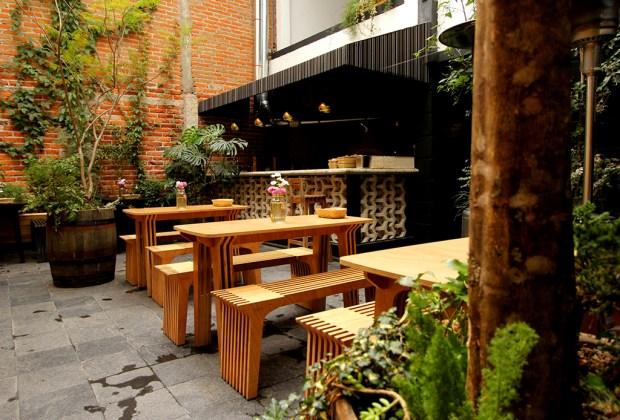 Los 10 restaurantes más acogedores de la Roma - patio-aurora-1024x694