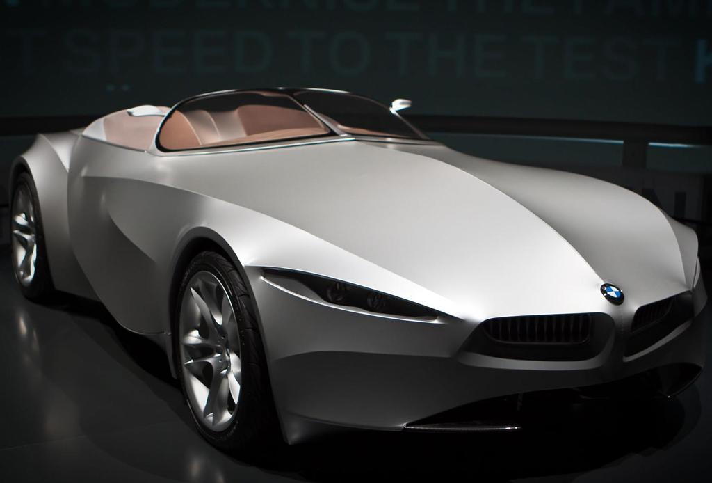Los 5 autos futuristas que las marcas de lujo han diseñado - autos-futurista-4