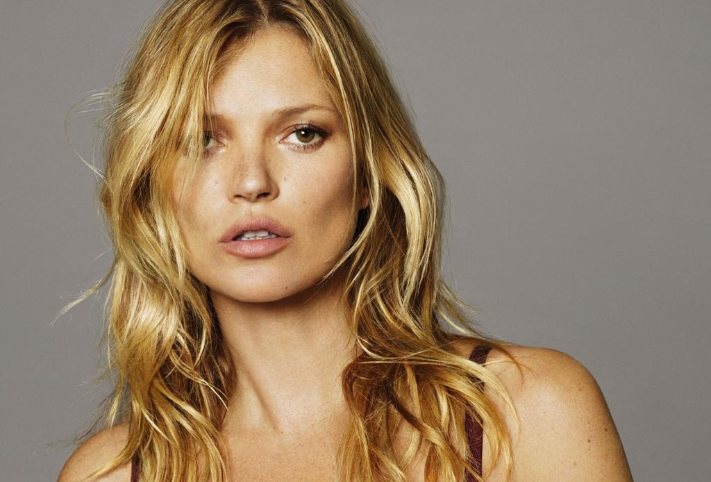 Descubre los secretos de belleza que mantienen tan glowy a Kate Moss - belleza-kate-moss-1024x694