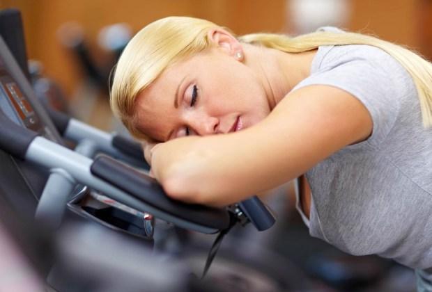 7 cosas que pasan en tu cuerpo cuando dejas de hacer ejercicio - cansancio-ejercicio-1024x694