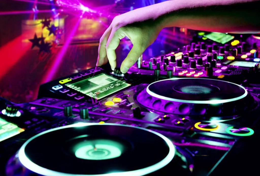 #DjDay: una playlist para celebrar a los mejores en su día
