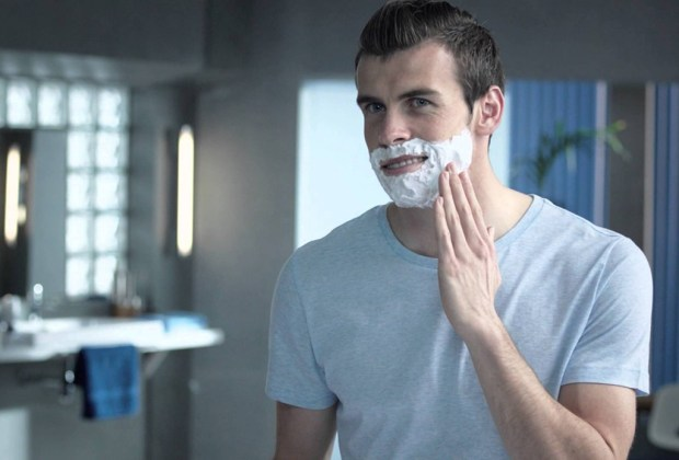 8 productos que jamás deben faltar en el baño de un hombre - gel-afeitar-hombres-1024x694