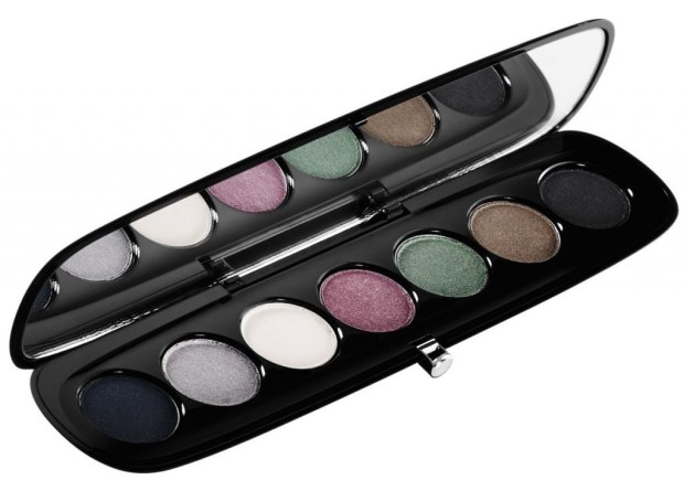 5 productos de belleza que debes probar este año - sombras-marc-jacobs-1024x718
