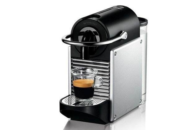 10 objetos que todo hombre debe comprar antes de los 30 - nespresso-1024x694