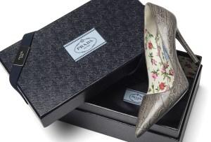 Completa tu outfit con unos zapatos Prada ¡personalizados!