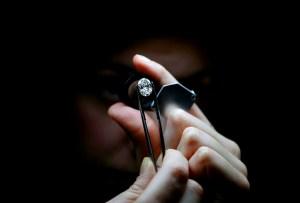 Tiffany & Co. celebra el 130 aniversario de su icónico anillo