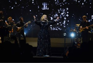 Recopilamos las mejores presentaciones de Adele en vivo