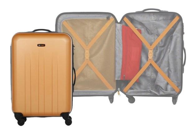 8 productos clave que necesitas para vivir al máximo tu vacación - maleta-cloe-trakdot-copia-1024x694