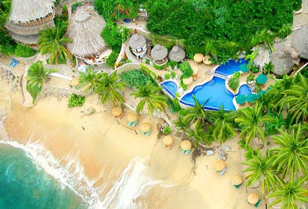 Los 7 mejores destinos para practicar surf en México - sayulita-1024x694