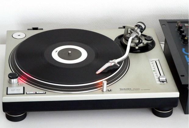 Lo retro también está de moda en la música - technics-panasonic-1024x694
