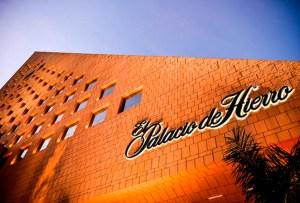 El Palacio de Hierro rinde homenaje a mamás mexicanas
