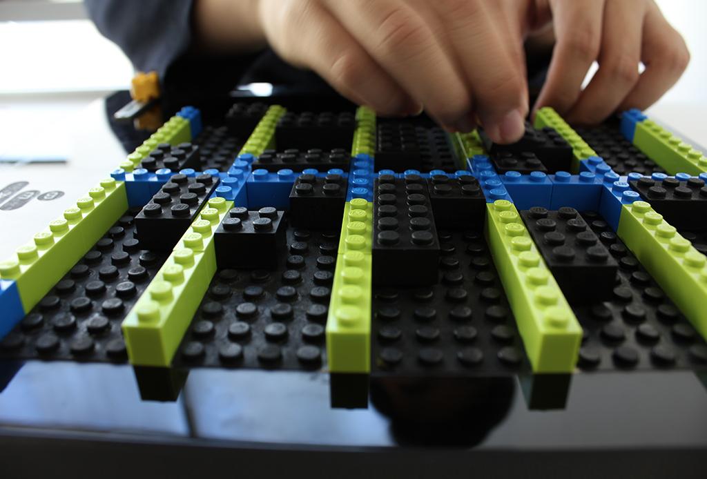 Ya puedes construir tu propio teclado con LEGO - teclado-lego-music-tecnologia-touch