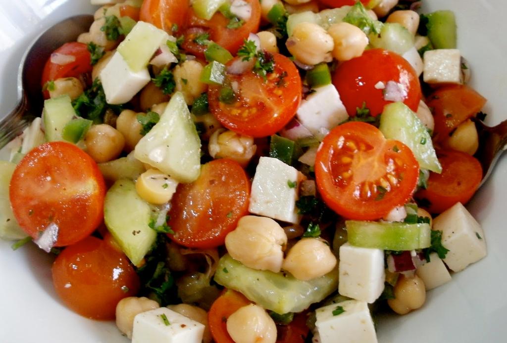 6 toppings como alternativa a los crotones  para tu ensalada - toppings-ensaladas-7