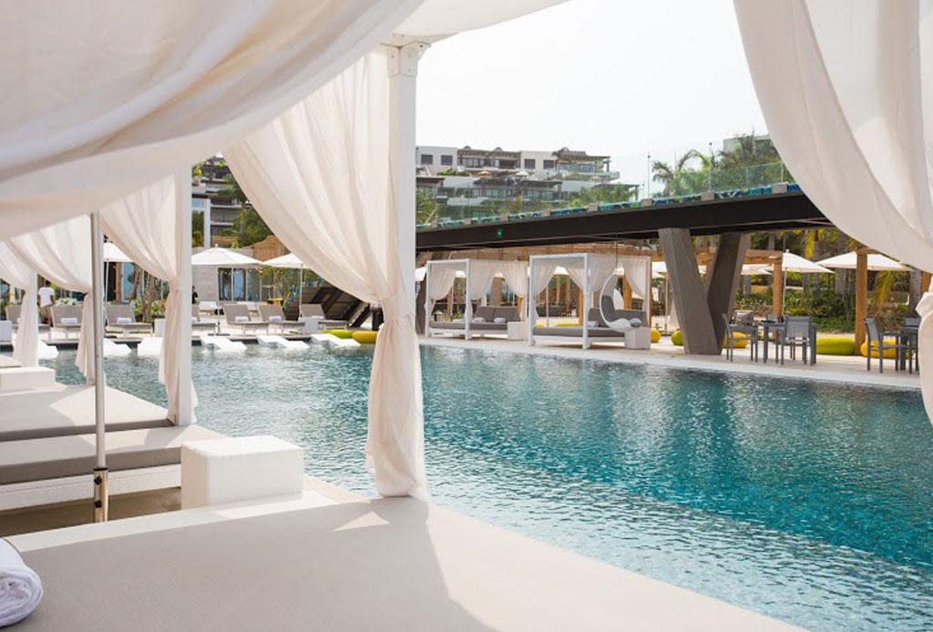 Descubre la definición de lujo en el hotel W Punta de Mita - alberca-2-punta-de-mita