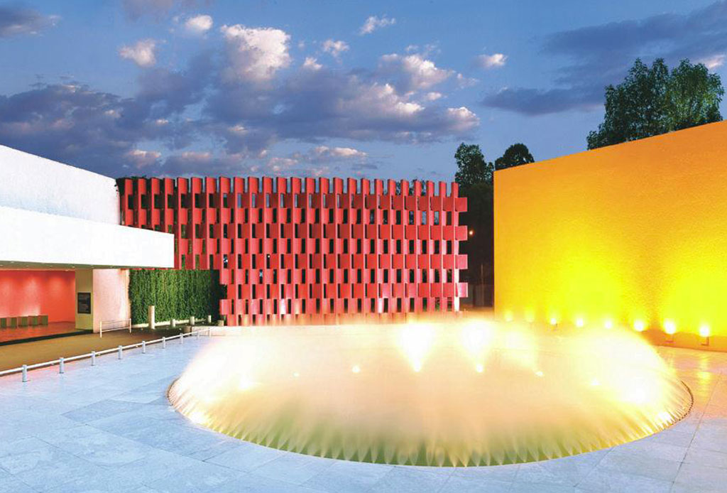 42 lugares para un inolvidable tour arquitectónico por la CDMX - camino-real-polanco
