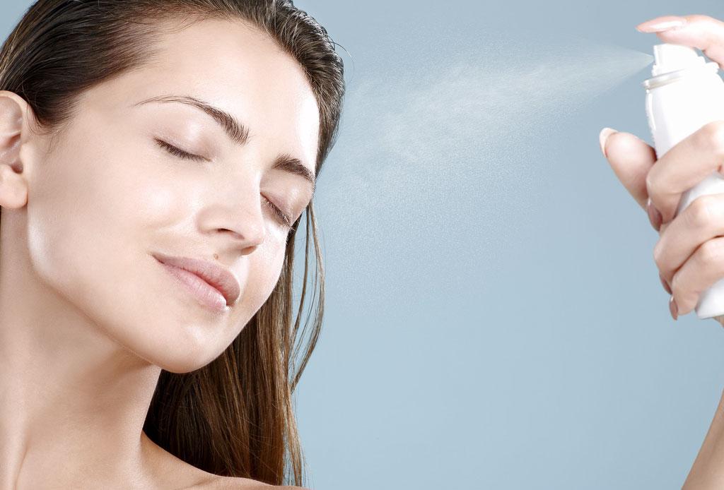 10 face mists que necesitas para hidratar y refrescar tu cara