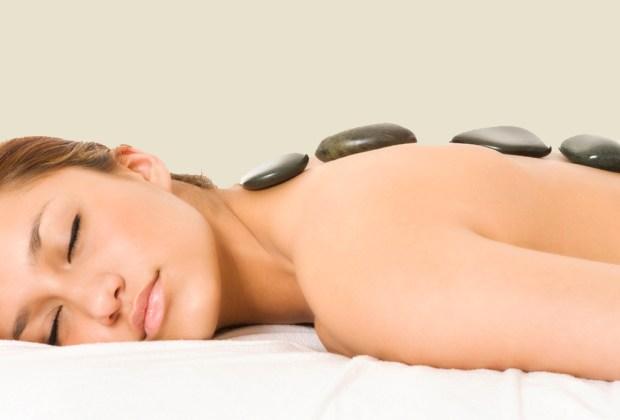 7 razones para hacerte un masaje con piedras calientes - mejores-masajes-con-piedras-calientes-ciudad-de-mexico-df-4-1024x694