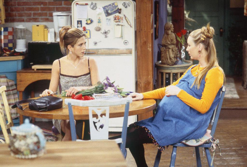 """14 datos que probablemente no sabías de la serie """"Friends"""" - phoebe-embarazada"""