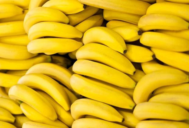 7 alimentos que mejoran la concentración - platano-1024x694