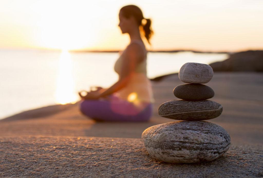 8 consejos para empezar a meditar en casa HOY - meditar