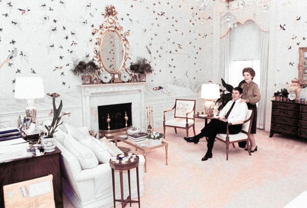 Conoce quién decoró la emblemática Casa Blanca - nancy-reagan-1