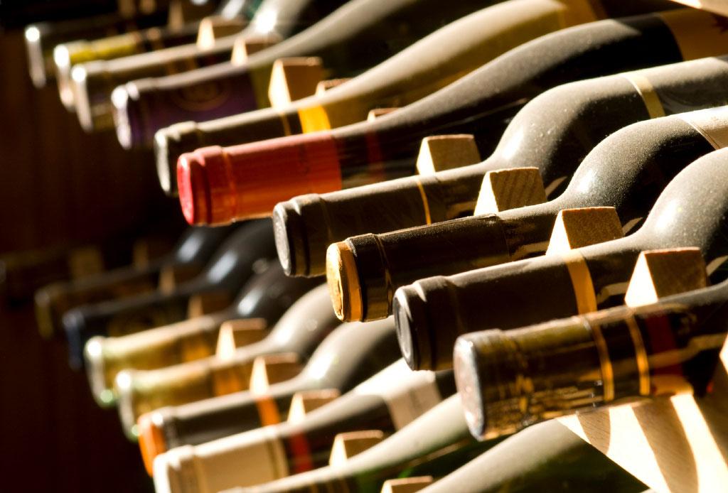 6 consejos para elegir un vino para regalar o llevar a una cena - como-elegir-una-botella-de-vino