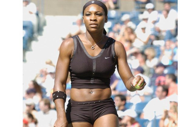 Los mejores outfits de Serena Williams - top-negro-1024x694
