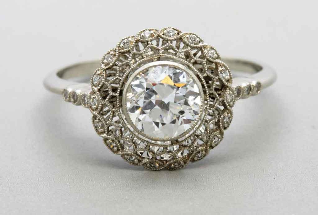 5 elementos que se buscan en los anillos de compromiso actuales - anillos-compromiso-6