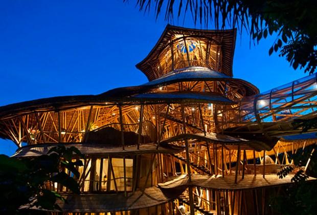 Estas son las 9 casas más exóticas que puedes rentar en Airbnb - bambu-1024x694