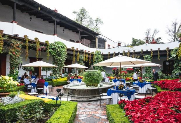 Los 6 restaurantes más antiguos de la CDMX - san-angel-inn-1024x694