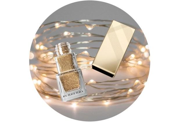 10 nuevos esmaltes de uñas para usar esta temporada de fiestas - burberry-gold-shimmer-451-1024x694