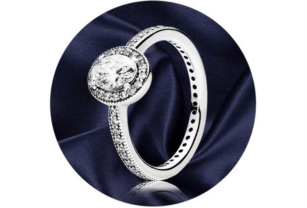 5 anillos ideales para regalar a quienes aman la joyería - pandora-vintage-elegance-ring-1024x694