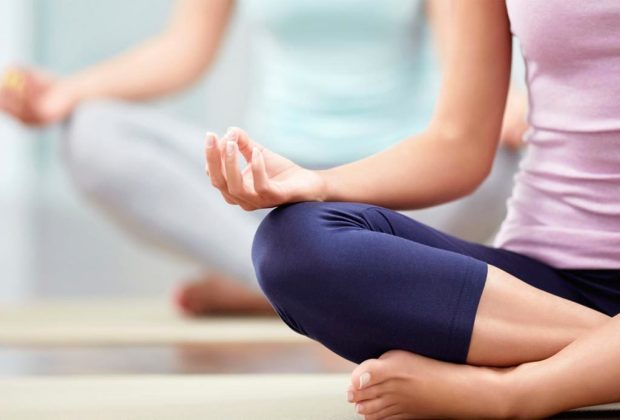 5 formas saludables de manejar el enojo sin ejercicio - yoga-enojo-1024x694