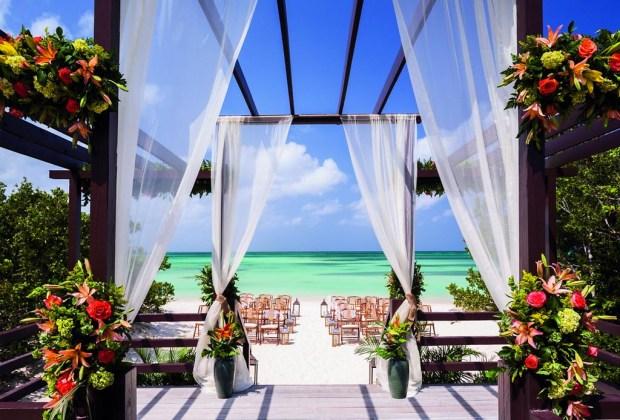10 razones para ir a Aruba con tu pareja lo más pronto posible - aruba-ritzcarlton-1024x694