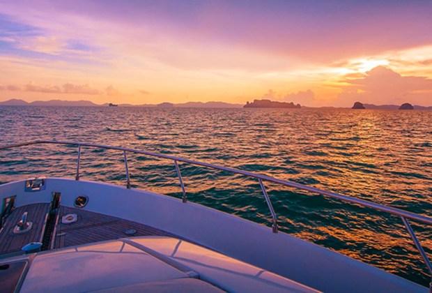 10 razones para ir a Aruba con tu pareja lo más pronto posible - aruba-yate-1024x694