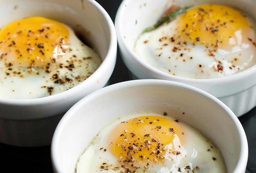 5 platillos que puedes hacer con un huevo - huevos-horneados-1024x694