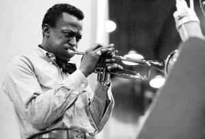Montblanc rinde homenaje al gran Miles Davis