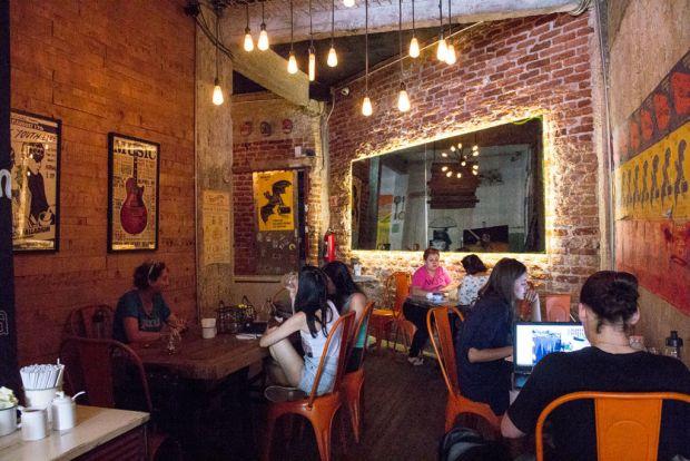 Las cafeterías más cool para tomar una taza con amigos en la CDMX - boicot-1024x683
